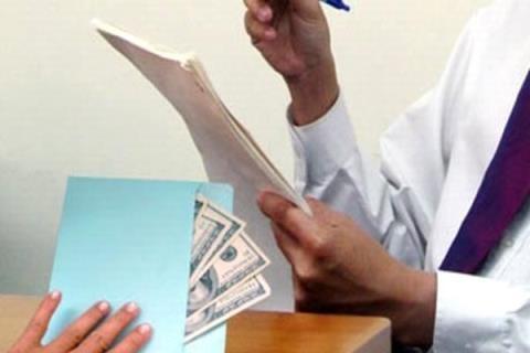 Viện trưởng VKSND huyện bị tố vòi tiền