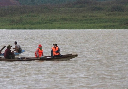 Tìm thấy nạn nhân cuối cùng vụ lật xuồng hồ thủy điện Đại Ninh