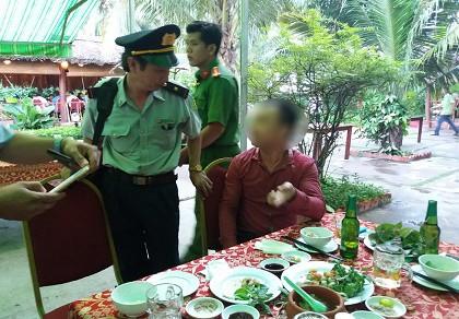 Nhà hàng bị lập biên bản vì bán món đuông dừa