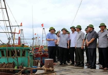 Phó thủ tướng trực tiếp chỉ đạo cứu nạn giữa tâm bão số 1