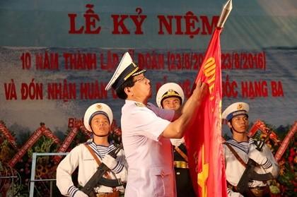 Lữ đoàn 681 Hải quân nhận huân chương Bảo vệ Tổ quốc hạng Ba