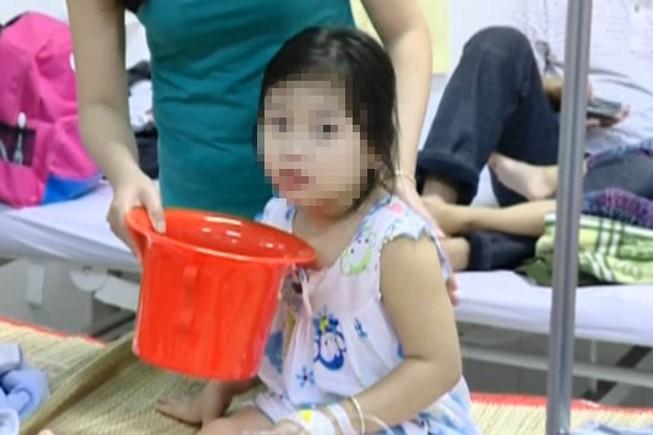 Gần 80 trẻ mầm non nhập viện do ngộ độc thực phẩm
