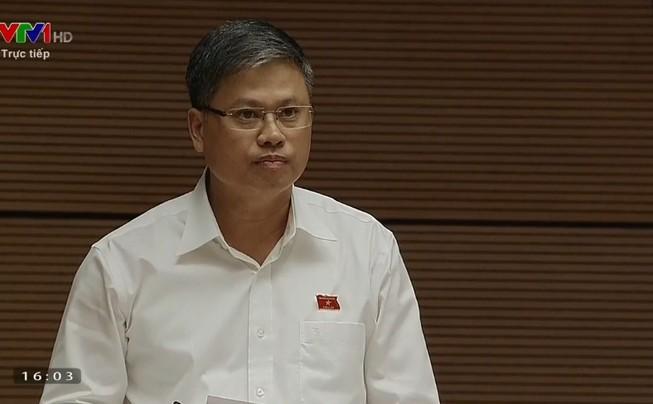 Đại biểu hỏi '2 câu hỏi dễ' với Bộ trưởng Lê Vĩnh Tân