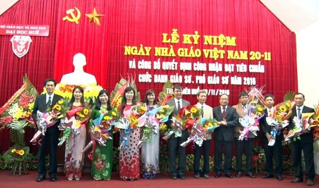 Đại học Huế có thêm 21 giáo sư, phó giáo sư
