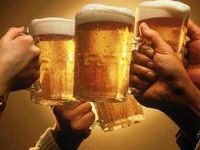 Kỷ luật cán bộ uống bia, hát karaoke