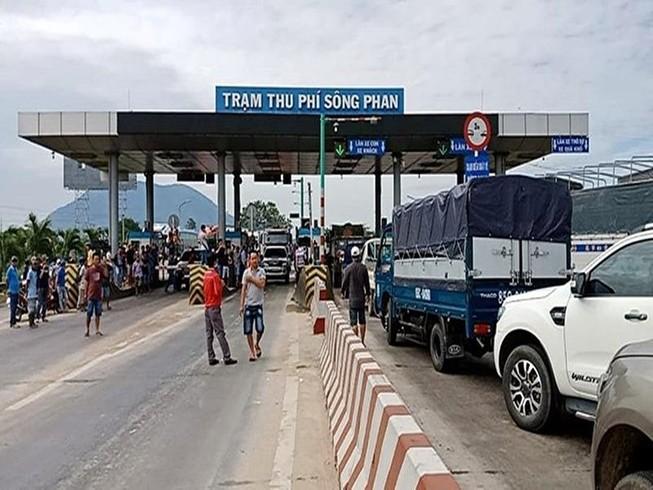 Kết quả hình ảnh cho Bộ GTVT giải thích việc BOT Sông Phan thu phí cách... 150 km