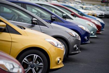 Người Việt chi mạnh mua sắm ô tô