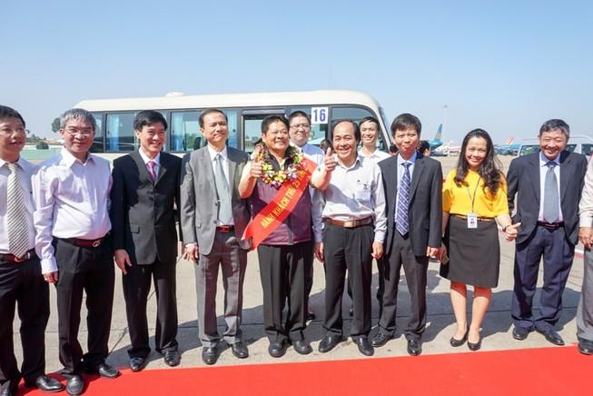 Sân bay Tân Sơn Nhất đón hành khách thứ 25 triệu
