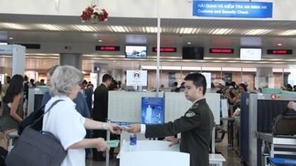 Sân bay Tân Sơn Nhất cải thiện ứng xử với 'thượng đế'
