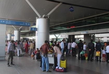 Sân bay Tân Sơn Nhất lắp Wi-Fi 'siêu tốc' phục vụ Noel
