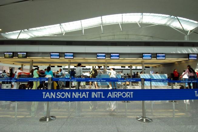 Một hành khách Trung Quốc mang súng ngắn tại sân bay Tân Sơn Nhất