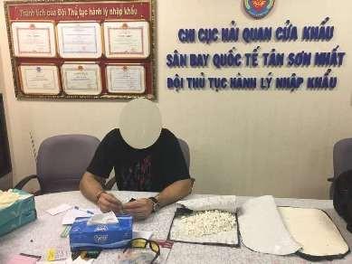 Bắt giữ hành khách Nam Phi vận chuyển lượng lớn Cocain vào Việt Nam