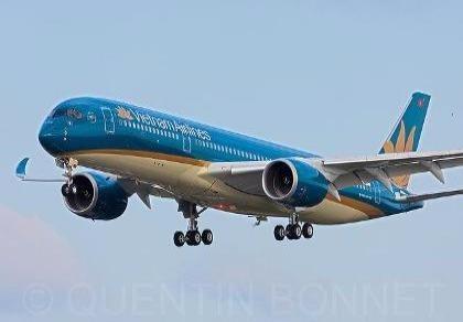 Tạm dừng nhiều chuyến bay đến Hà Nội do bão số 1