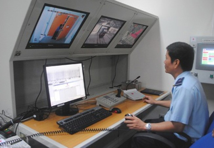 Tăng soi chiếu xử lý hàng trăm container hàng tồn đọng tại cảng
