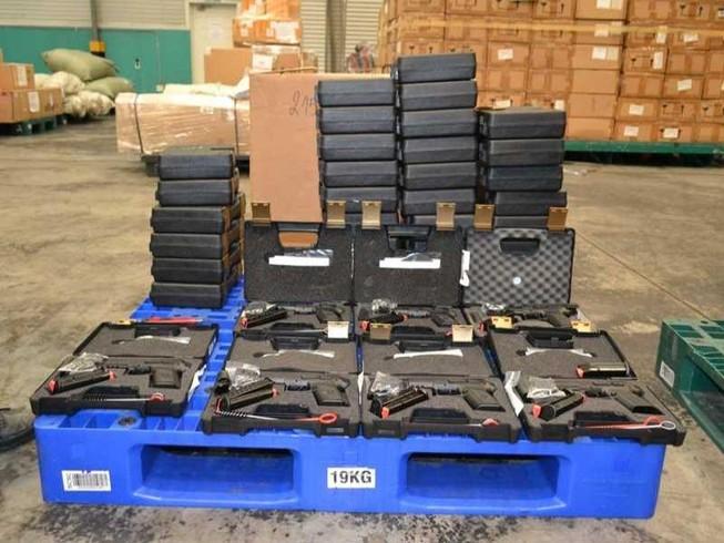 TP.HCM: Tịch thu 94 khẩu súng, hàng trăm băng đạn