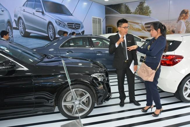 Bị truy thu thuế 100 tỉ đồng, Mercedes khiếu nại