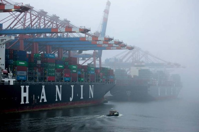 Hết cách cứu, hãng tàu biển Hàn Quốc chính thức 'chìm'