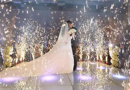 Sẽ cấm bắn pháo giấy, pháo điện đám cưới?