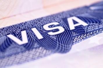 Việt Nam nâng thời hạn visa cho công dân Mỹ thành một năm