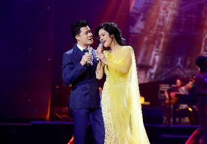 Liveshow Việt Anh và lưng chừng xúc cảm