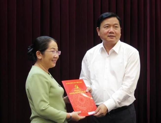 Bí thư Đinh La Thăng trao quyết định cán bộ