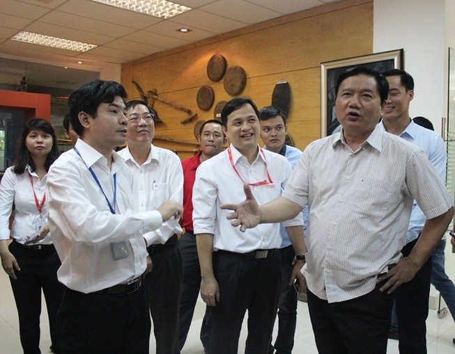 Bí thư Thăng: 'Lương kỹ sư CNTT 8-10 triệu, làm sao sống?'