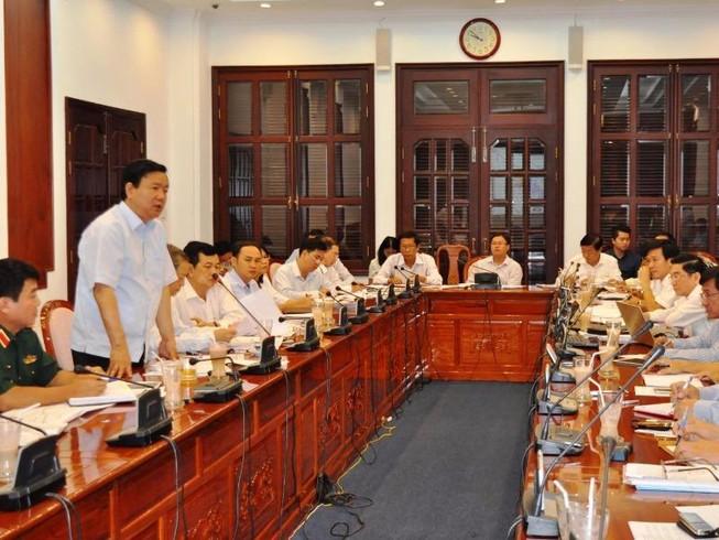 Bí thư Thăng yêu cầu khẩn trương chống ngập Tân Sơn Nhất