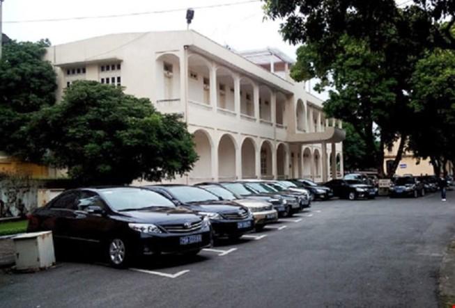 TP.HCM: Đề xuất không mua xe công mà đi thuê