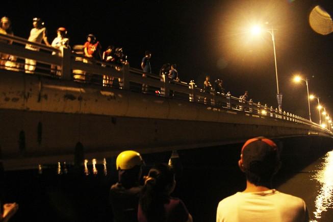 Lật thuyền, một thanh niên mất tích sau bữa nhậu giữa sông