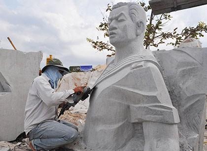 Tượng đài Gạc Ma: 'Những người nằm lại phía chân trời'