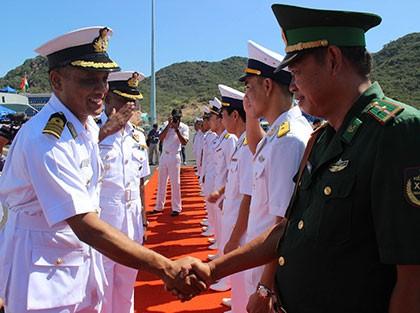 Hai tàu chiến Ấn Độ thăm hữu nghị Việt Nam