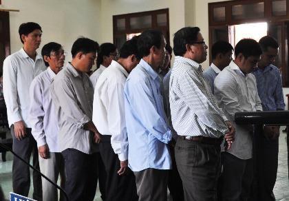 Nhiều cựu quan chức huyện đồng loạt kêu oan