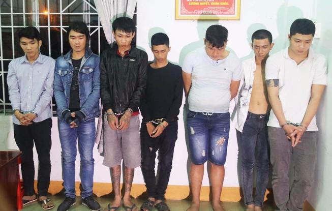 Gần 40 thanh niên mang cả bao mã tấu, súng đi đánh nhau