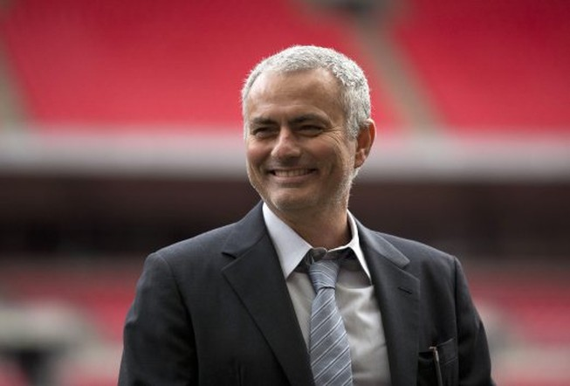 Mourinho muốn đánh bại Ranieri