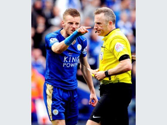 Thẻ đỏ của Vardy hay định mệnh của Ranieri?