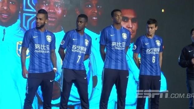 Bóng đá Trung Quốc và Leicester City: Tiền không phải là tất cả!
