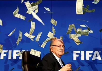 Cựu chủ tịch FIFA tố cáo chuyện động trời của UEFA