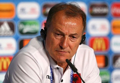 HLV Gianni De Biasi: Albania cũng có thể đốt lưới Pháp