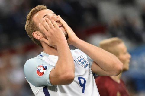 Lượt trận đầu Euro qua cách nhìn của Adrian Clarke