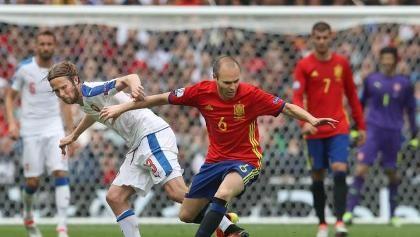 Trước trận Tây Ban Nha - Thổ Nhĩ Kỳ: Iniesta đã thể hiện ra sao?