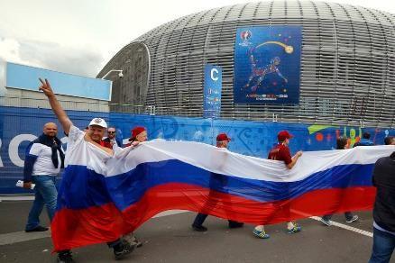 """Tổng thống Putin: 200 fan Nga làm sao tấn công nổi hàng ngàn fan Anh"""""""