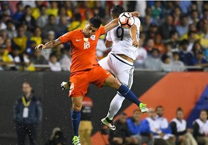 ĐKVĐ Chile tái đấu Argentina ở chung kết Copa America
