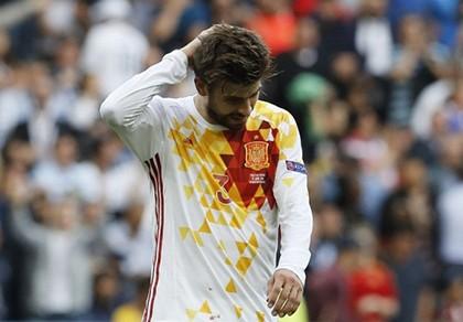 Tây Ban Nha bị Ý loại, Pique nói gì?