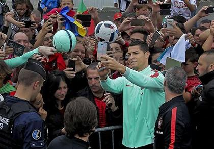 Thêm hai kỷ lục đang chờ Ronaldo