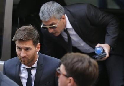 Vụ Messi bị 21 tháng tù giam vì trốn thuế: Không phải dạng vừa!