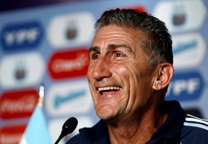 'Big Foot' lộ kế hoạch thuyết phục Messi trở lại tuyển Argentina