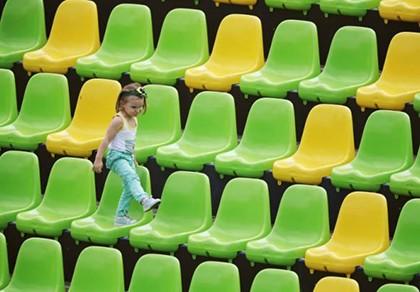 Olympic méo mặt với khán đài trống vắng