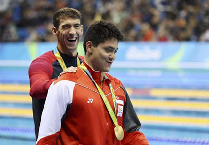 Michael Phelps nói gì khi bị Schooling đánh bại