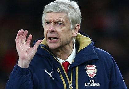 Wenger chỉ trích chính sách chuyển nhượng điên rồ của bóng đá Anh