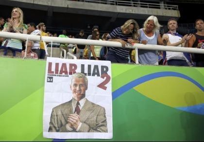 Nói dối bị cướp, kình ngư Mỹ Lochte bị Brazil bị khởi tố hình sự